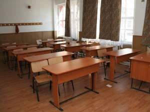 Cursuri suspendate parţial la patru şcoli din Suceava şi Fălticeni