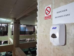 Automate cu dezinfectat în Primăria Suceava