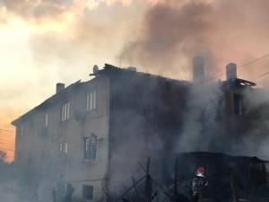 Incendiu la un bloc de locuinte- Arhiva