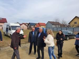 Ion Lungu, împreună cu specialiștii din Primărie, la discuții cu locuitorii din zonă