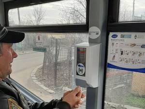 Distribuitoare de dezinfectant, montate atât în autobuze, cât și în microbuzele TPL