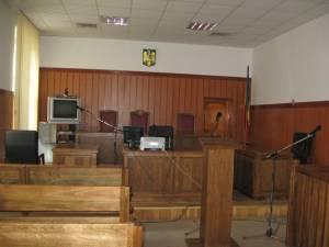 Judecătoria Gura Humorului a decis suspendarea proceselor