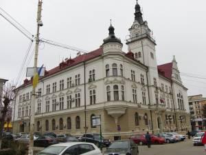 Peste 80 dintre salariații Consiliului Județean Suceava lucrează de acasă