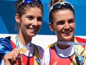 Sucevencele Gianina Beleagă şi Ionela Cozmiuc sunt duble campioane mondiale cu barca de două vâsle