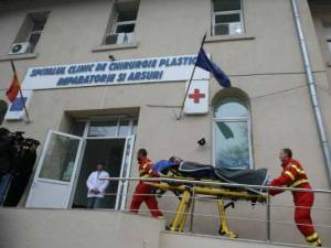 Pacient transferat de la Suceava la Spitalul de Arși București, pozitiv pentru Covid-19. El a avut contact cu 28 de cadre medicale