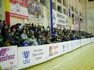 Handbaliștii lui Chiruţ  tânjesc după zilele când meciurile lor erau luate cu asalt de publicul sucevean