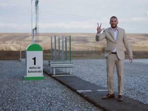 Ștefan Mandachi vinde primul metru de autostradă din Moldova pentru a strânge bani pentru spitale