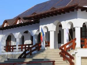 Donație de aproximativ 100.000 de euro făcută de Arhiepiscopia Sucevei și Rădăuților către Spitalul Județean
