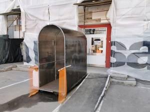 La Spitalul Municipal Rădăuți a fost montat primul tunel de dezinfecție pentru personal   Sursa foto facebook Cătălin Urdoi