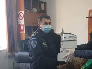 Marian Andronache și Eugen Tomac au oferit materiale de protecție sucevenilor din linia întâi care luptă cu noul coronavirus