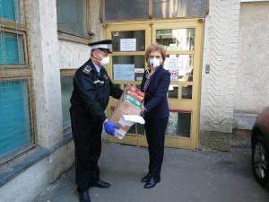"""1.000 de batoane """"Cereal Bar"""" au ajuns la cadrele medicale din spitalul Fălticeni"""