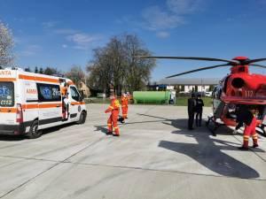 """Gravidă cu gemeni, transportată cu elicopterul de la Rădăuți la Maternitatea """"Cuza Vodă"""" Iași"""