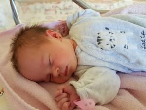 140 de bebeluși s-au născut în Suceava de la declanșarea Stării de Urgență