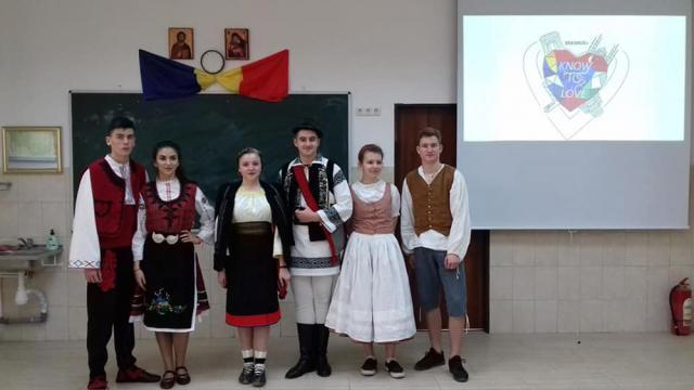 Oaspeți din Bulgaria și Cehia, la liceul din Vicovu de Sus, în cadrul unui proiect Erasmus +