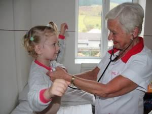 Doctorița care a tratat sute de mii de copii, din trei generații, se retrage din activitate