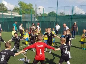 Bucuria micilor fotbaliști de la Juniorul Suceava este nemărginită atunci când se află pe terenul de sport