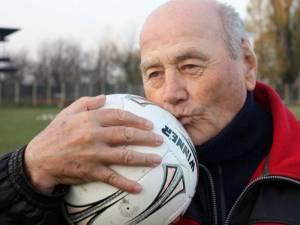 Constatin Jamaischi şi-a dedicat întreaga viaţă fotbalului. Foto gsp.ro