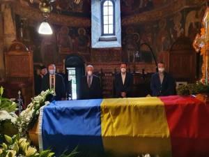 Conducerea Primăriei Suceava a depus joi un ultim omagiu celui care a fost IPS Pimen, Arhiepiscopul Sucevei și Rădăuților
