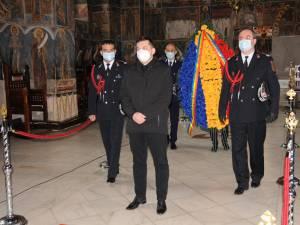 Reprezentanții autorităților au depus coroane de flori în semn de prețuire și rămas bun