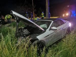 Patru răniți, din care doi grav, după ce un tânăr de 18 ani a intrat cu un BMW pe contrasens