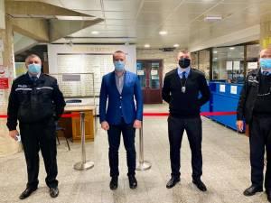 Polițiștii locali suceveni, felicitați pentru implicarea lor în gestionarea problemelor cauzate de pandemia de coronavirus