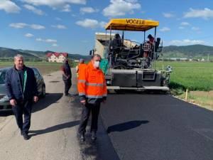 Gheorghe Flutur a inspectat şantierul de pe drumul județean DJ 209A Mălini-Slatina