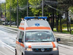 Fata a fost transportată la Spitalul Județean Suceava