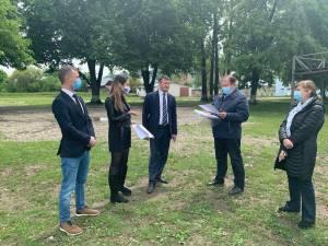Gheorghe Flutur s-a întâlnit, la Frasin, cu oficiali ai Ministerului Tineretului și Sportului pentru a stabili pașii care trebuie urmați pentru deschiderea noului centru de tineret de la Bucșoaia