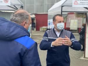 Lucian Harșovschi a verificat în teren vineri punerea în funcțiune a tunelurilor de dezinfecție și restul măsurilor speciale luate pentru redeschiderea Bazarului