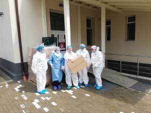 Crucea Roșie Suceava a donat 660 de combinezoane de protecție pentru personalul medical din cadrul Secției de Boli Infecțioase
