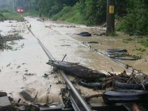 Calea ferată este inundată în zona Voroneț
