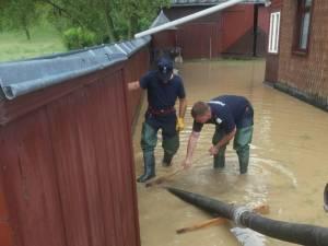 Pompierii au efectuat peste o sută de misiuni de evacuare a apei în 48 de ore