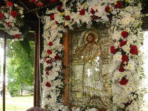 Credincioșii au început pelerinajul la Moaștele Sf. Ioan cel Nou la primele ore ale dimineții