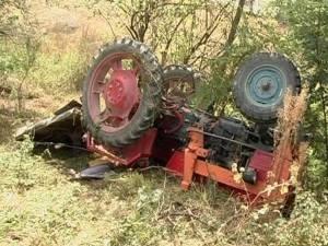 tractor rasturnat