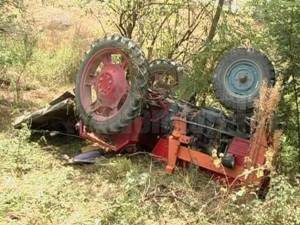 Tractorul răsturnat