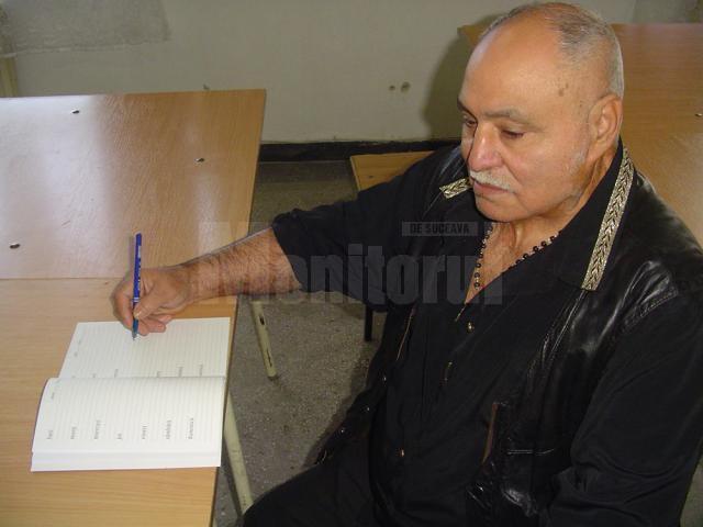 Gheorghe Lazăr, la 71 de ani, în Penitenciarul Botoșani, când a absolvit după gratii clasa I
