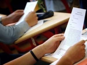 Şapte elevi suceveni au dat luni prima probă din etapa specială a evaluării naționale