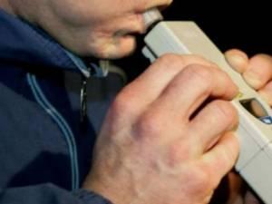 Etilotestul a indicat concentrația de 1,37 miligrame per litru alcool pur în aerul expirat de şofer