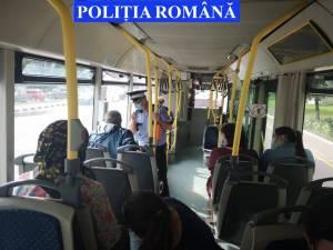 Control al politiei privind purtarea mastii in autobuze