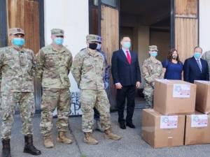 Armata americană a donat echipamente de protecție pentru medicii suceveni
