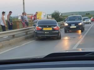 Beat turtă la volan, a intrat cu mașina în parapetul unui pod