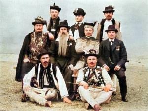 Noua etnii care trăiau în Bucovina, într-o fotografie veche de 118 ani - sursa Historic Photographs