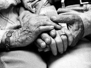 Îmbătrânim nu sub povara anilor, ci a prea multor dorințe