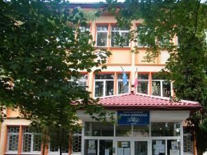 Doi angajați ai Școlii Gimnaziale Nr. 1 Suceava au fost confirmați cu Covid-19