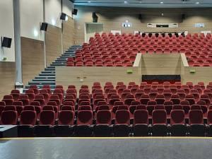 """Sala de spectacole a Teatrului """"Matei Visniec"""" Suceava"""