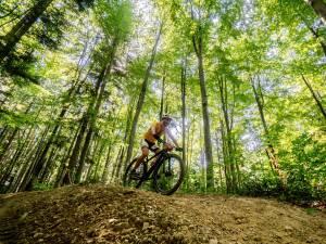 A doua ediție a concursului de ciclism montan Bucovina MTB a avut aproximativ 200 de participanți