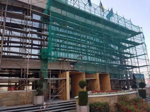 Focarul de COVID-19 de la Primăria Suceava a fost declarat oficial închis