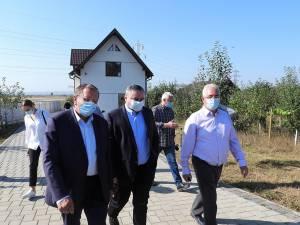 Gheorghe Flutur, Ioan Balan și Ion Lungu la inaugurarea noii rețele de gaz metan, din Burdujeni Sat