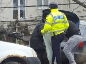 Polițiștii au ridicat țigările din autoturismul Audi A6  Sursa: Facebook
