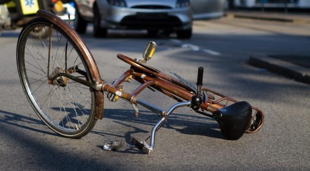 Seria accidentelor cu bicicliști continuă, alți doi fiind răniți pe drumurile din județ